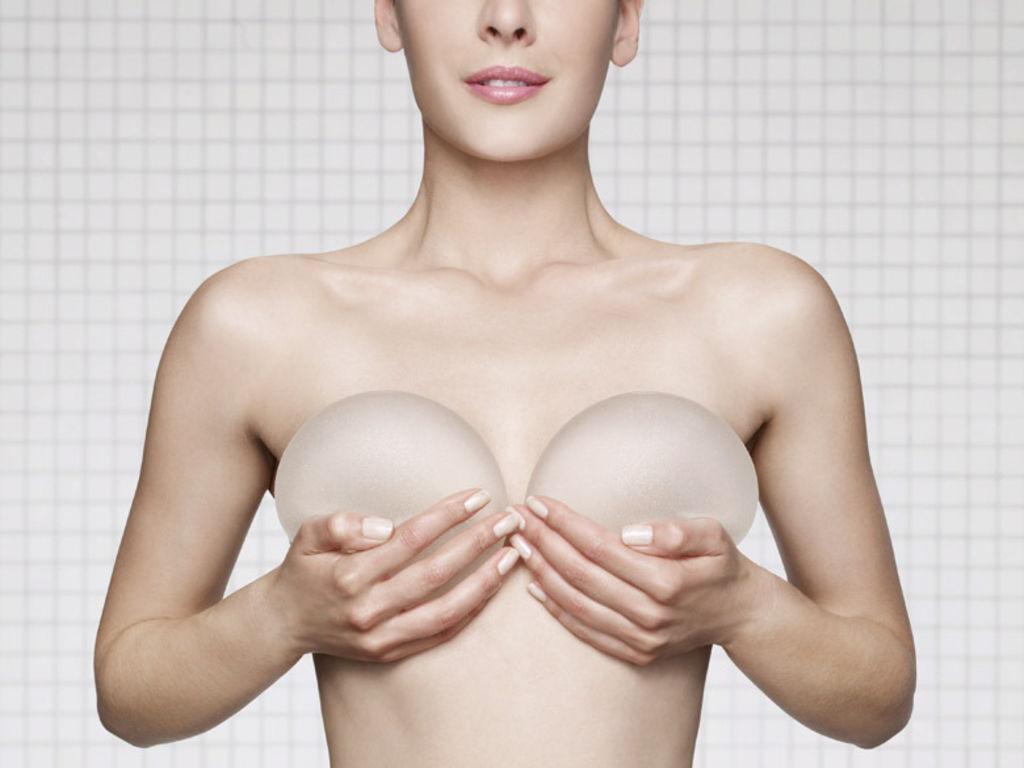 Des-micropuces-dans-les-implants-mammaires-pour-un-meilleur-suivi_exact1024x768_l